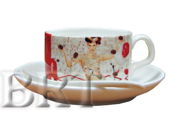 Кофейный набор сувенирный - чашка с блюдцем и ложечкой