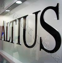 объемные буквы на ресепшн - ALTIUS